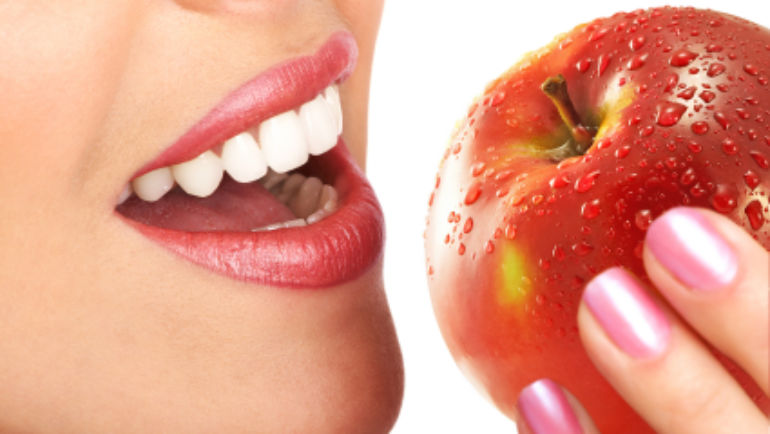 Simple Tips To Improve Oral Health